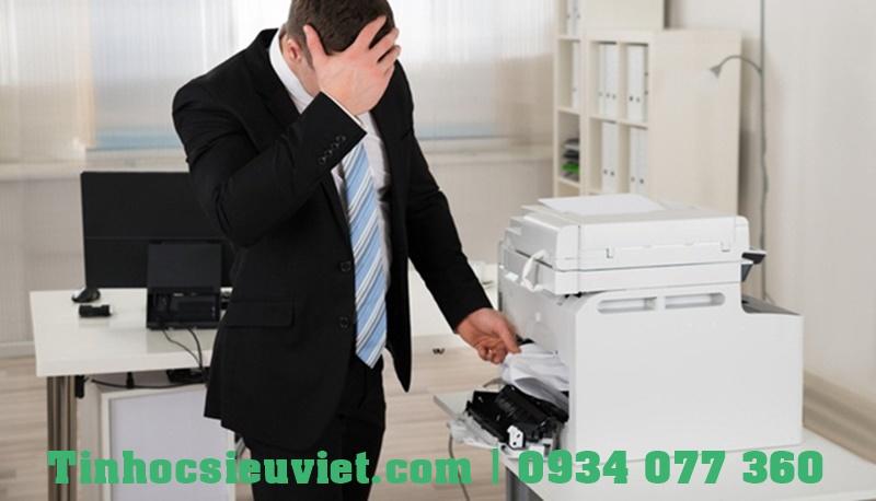 Khi máy in bị lỗi sẽ làm ảnh hưởng đến tiến độ công việc